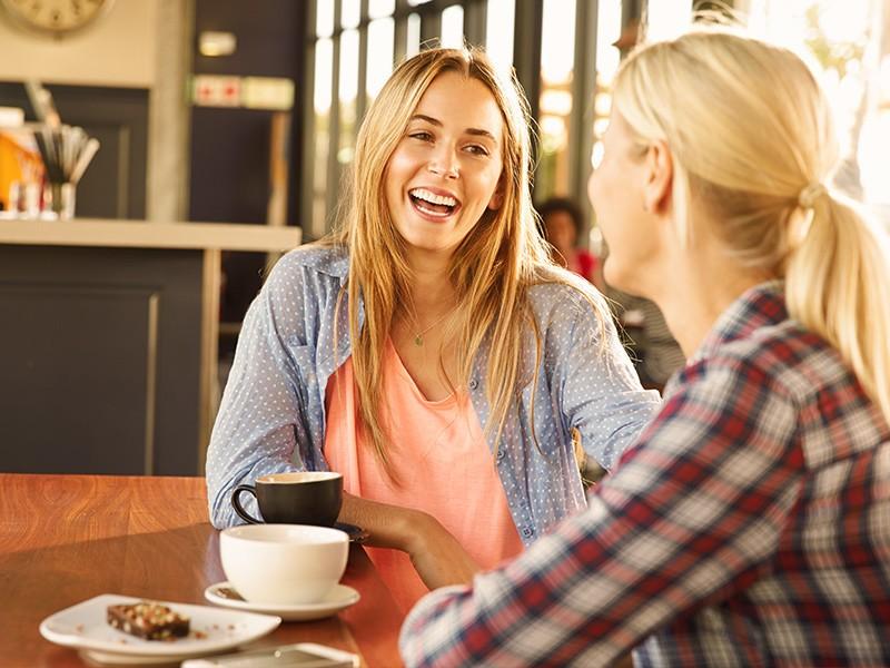 Tipps um das Selbstbewusstsein zu stärken: Lächeln