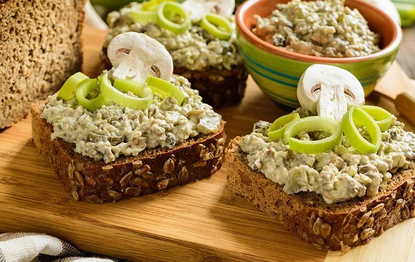 Bild zum Beitrag 'Einfach gesund: Brotaufstriche selber machen'