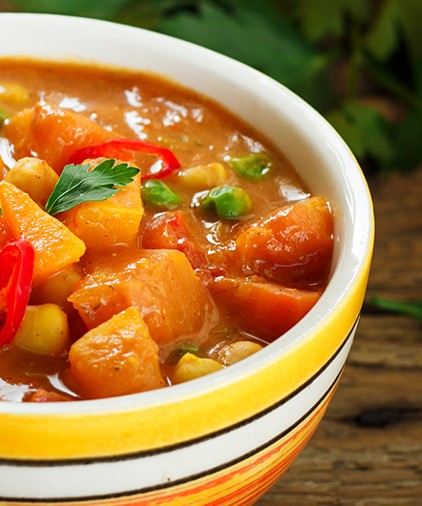 Bild zum Beitrag 'Kürbis-Curry mit Süßkartoffel und Erbsen'