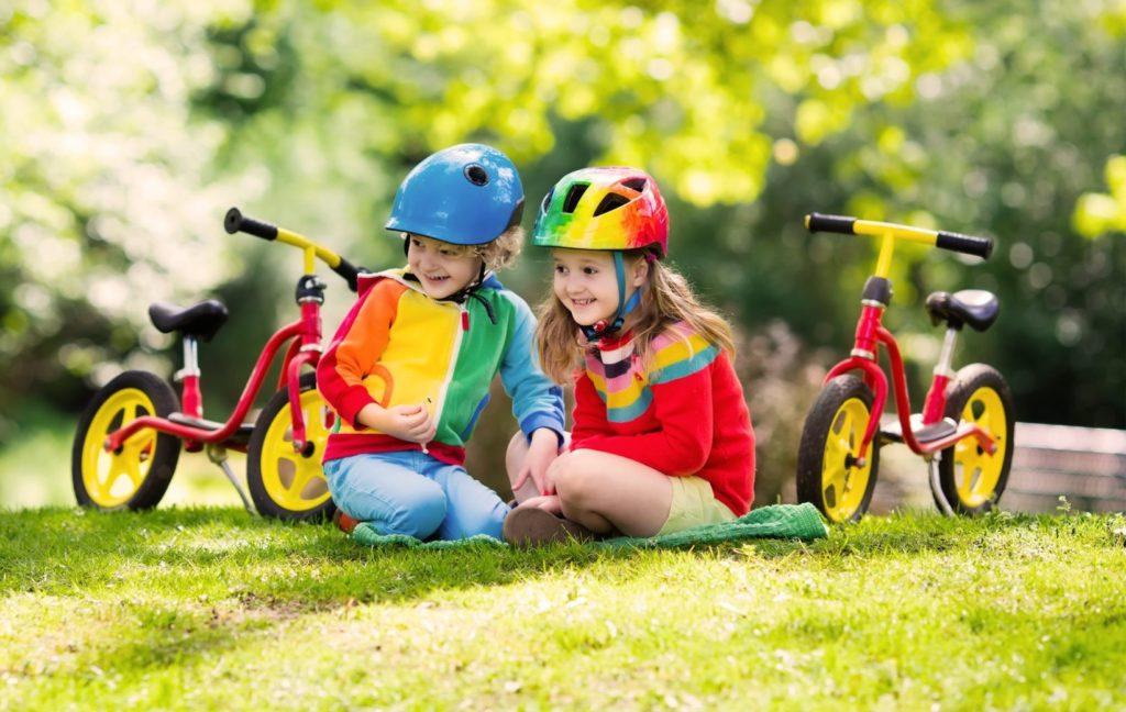 Bild zum Beitrag 'Bewegung für Kleinkinder: Sicher Laufradfahren'